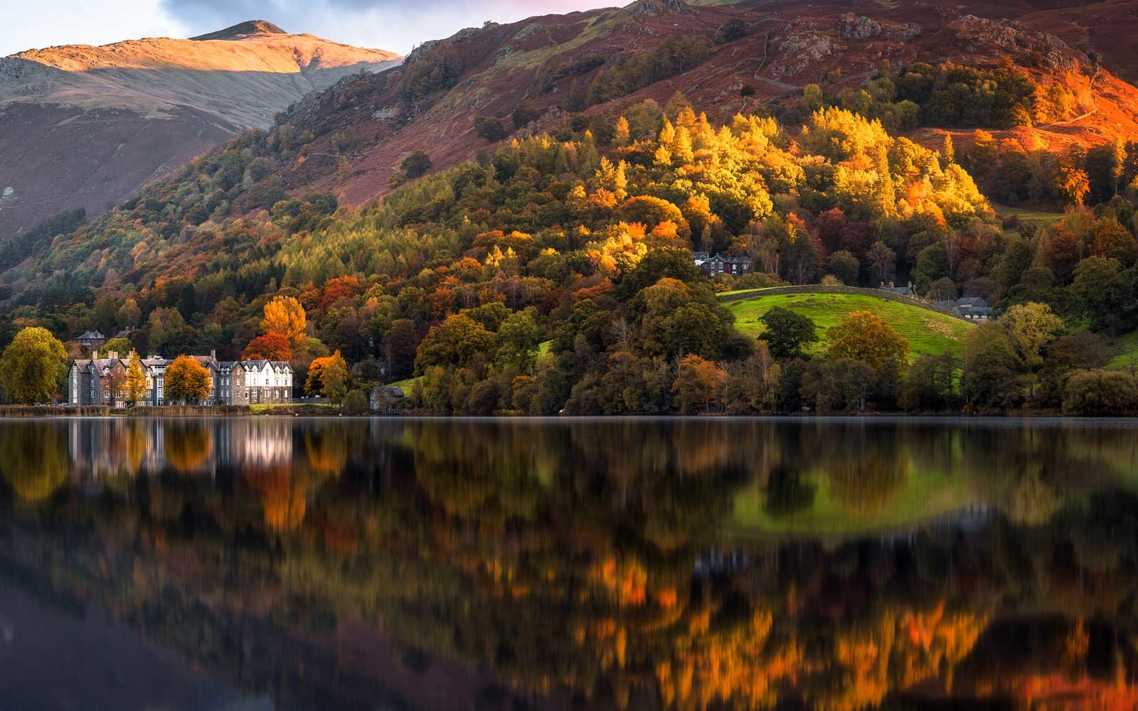Stop into locations like Lake Grasmere in the English Lake District for a relaxing getaway.