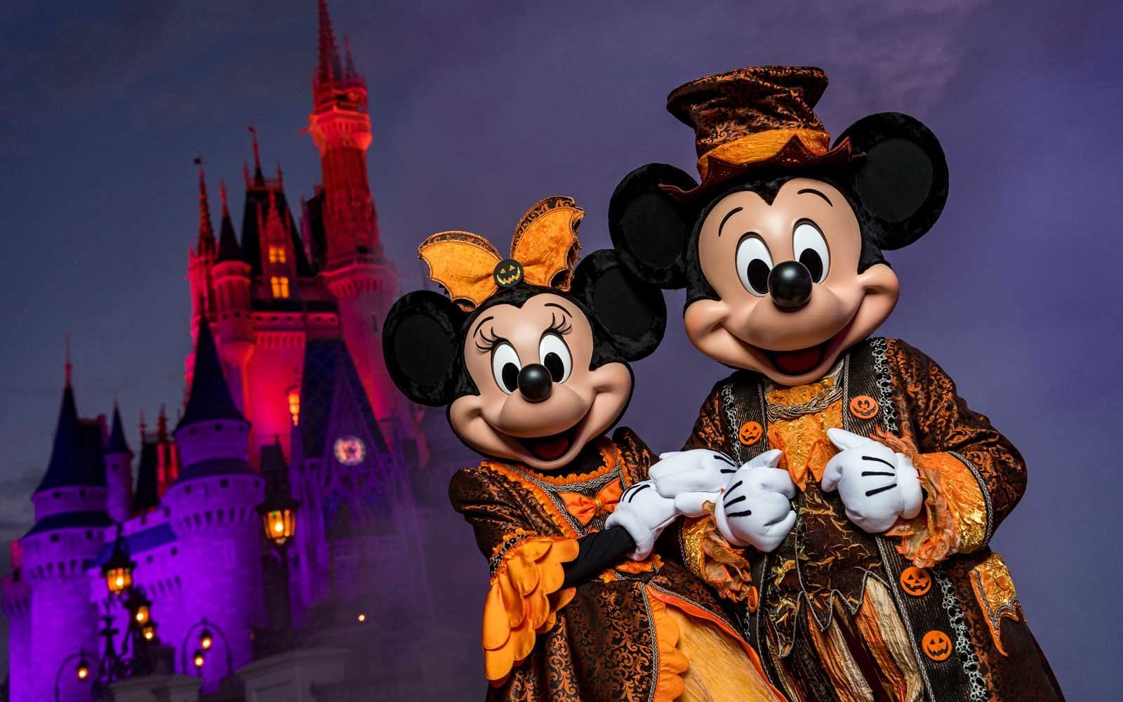 11 theme park halloween celebrations thatll have you screaming for more