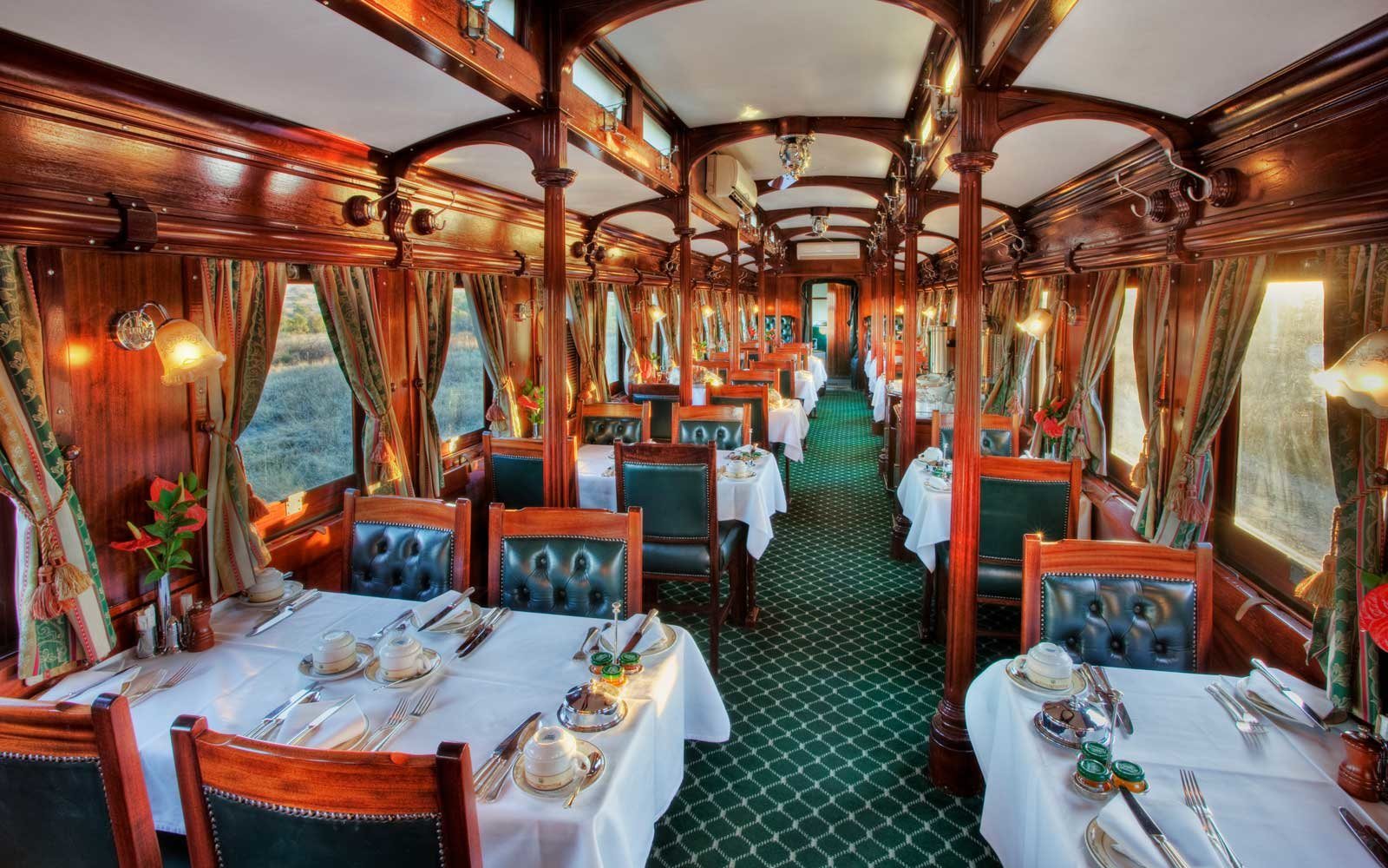 Diningroom of luxury Rovos Rail train