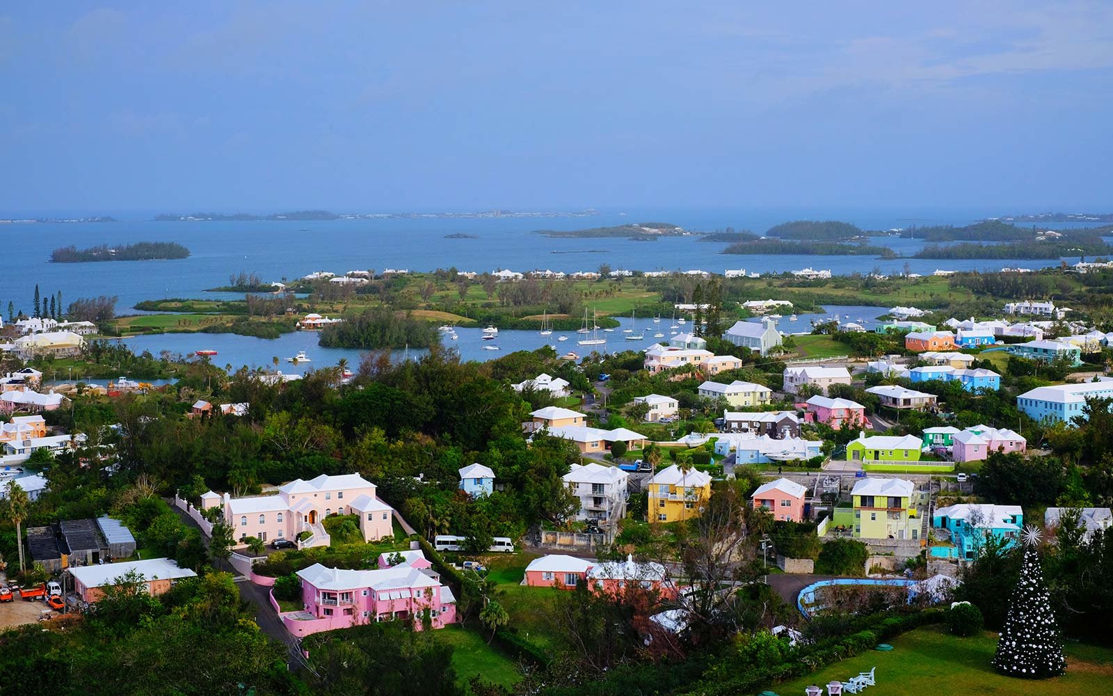 Bermuda, Colorful Homes
