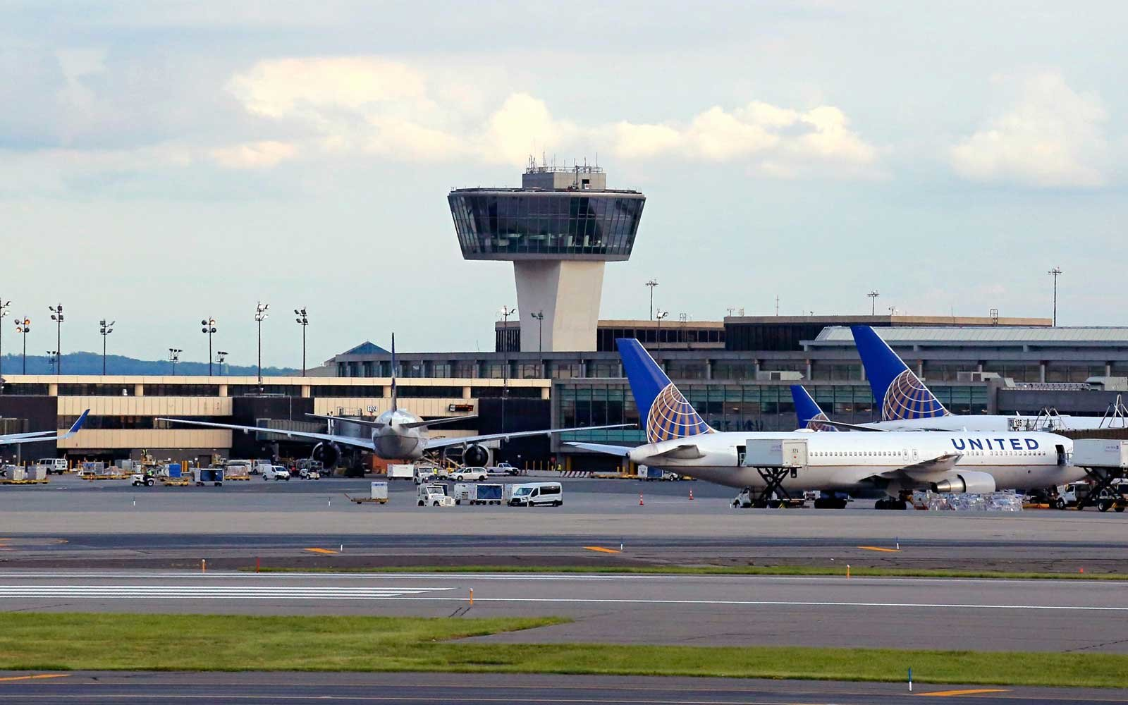 Health officials warn of measles exposure at Newark airport