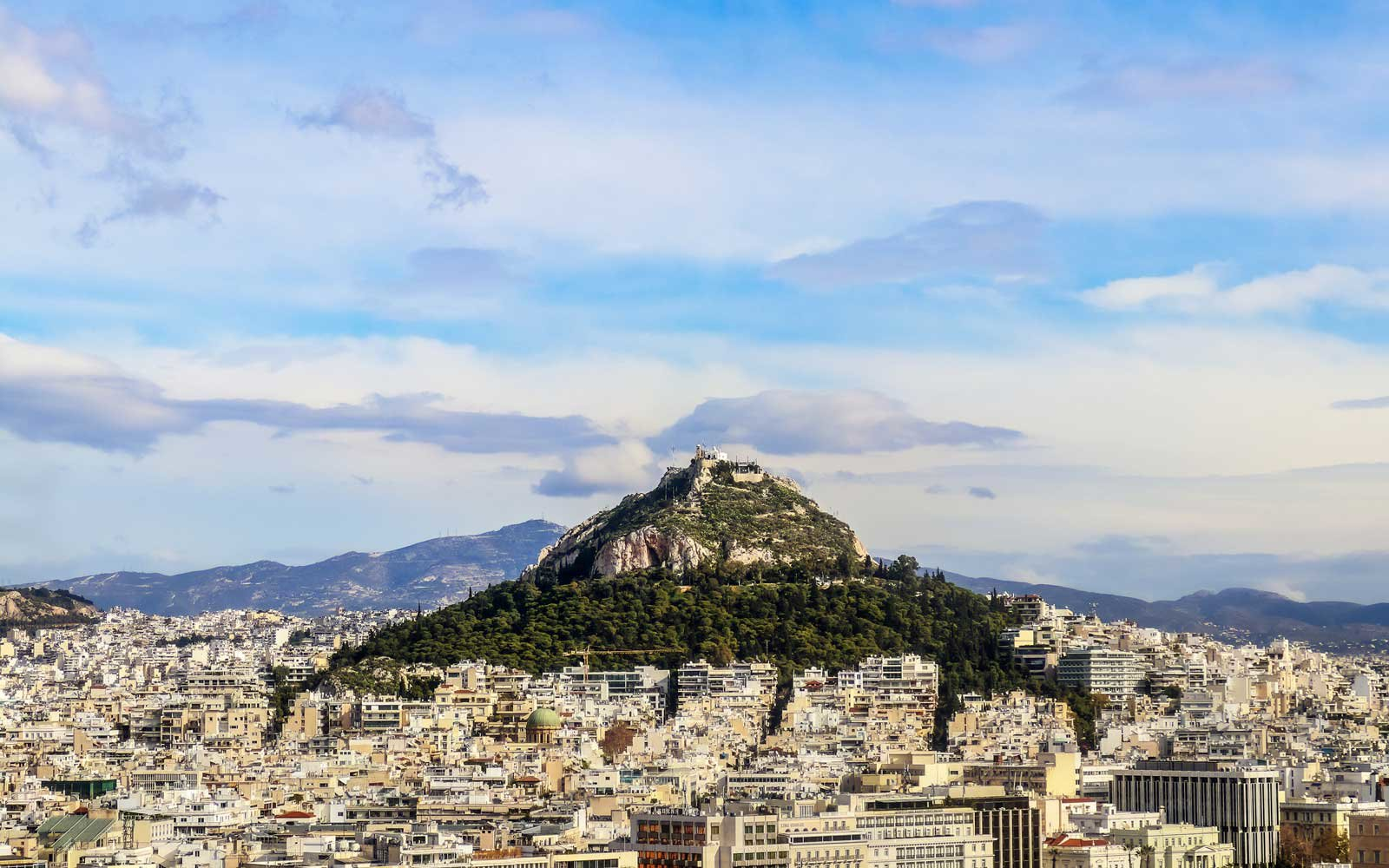 Emirates Is Having A 2 For 1 Sale On Flights To Greece
