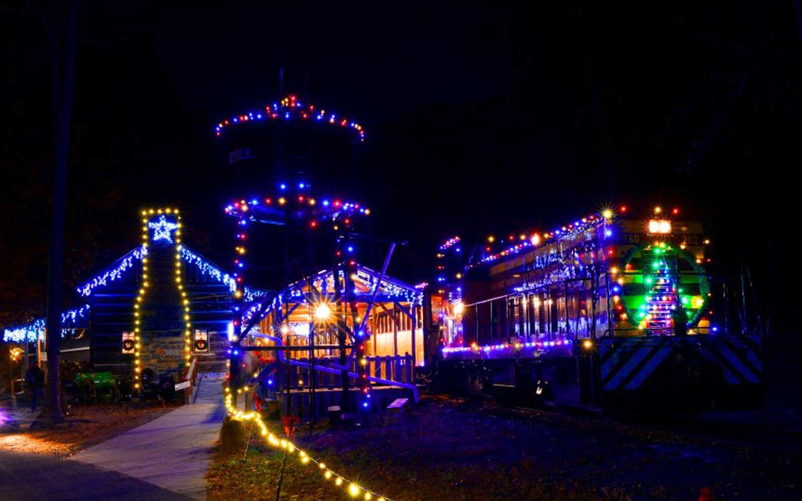 Christmas Train Ride.16 Festive Train Rides You Can Take For The Holidays