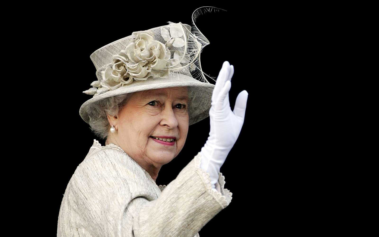 My How Time Flies Queen Elizabeth At 50 >> The Queen Sent Her Chef A Brutal Note After She Found A Slug In Her