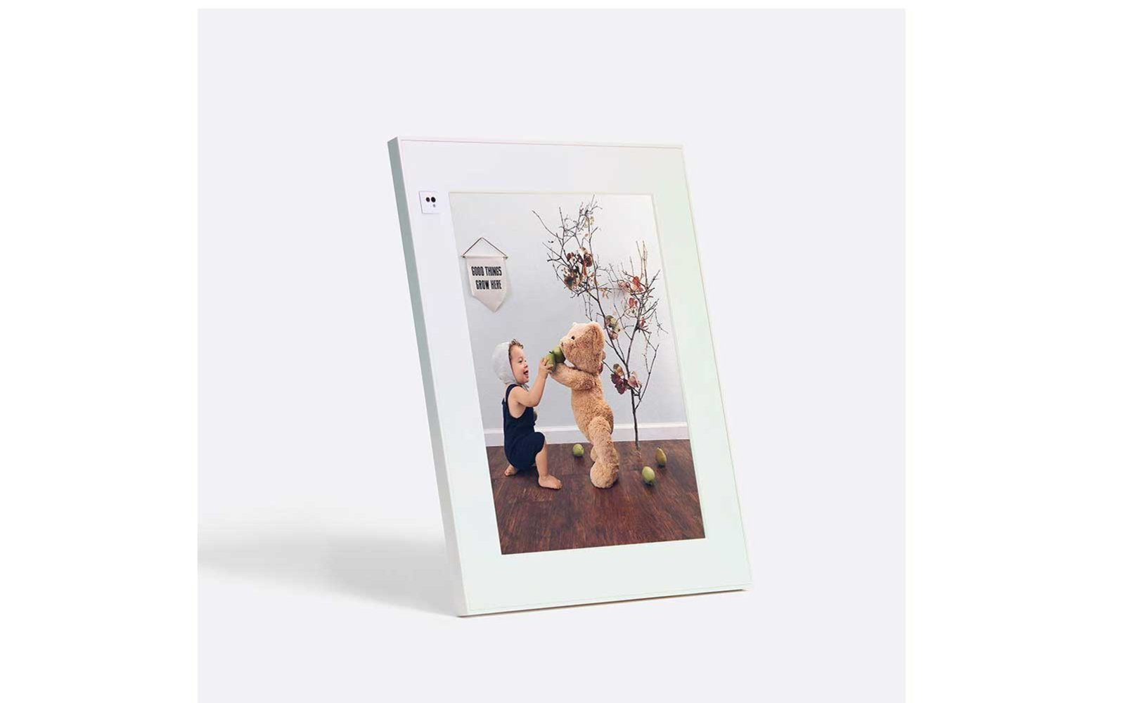 Gifts to get on Amazon Aura Digital Frame