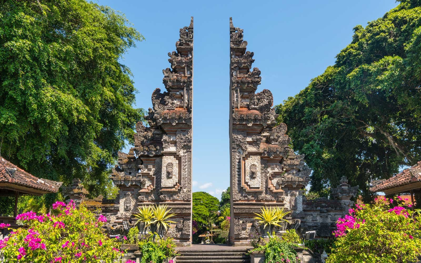 The candi bentar split gate, Bali, Indoneisa