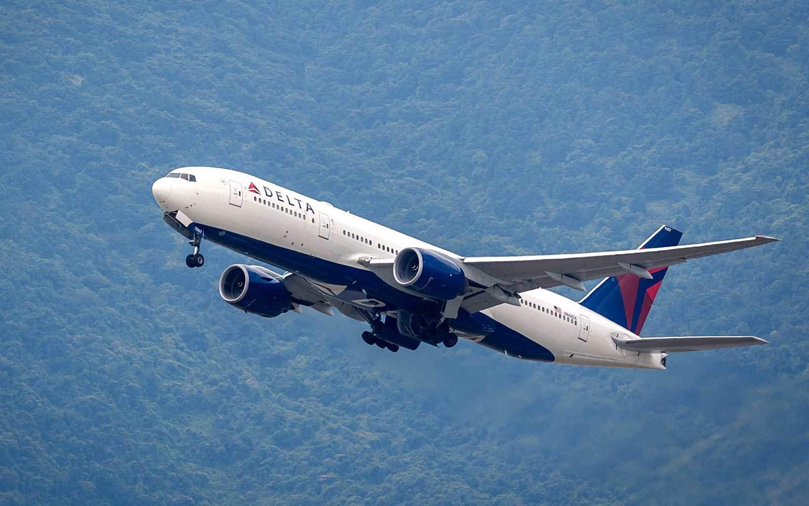 Delta Was Just Named the Most On-time Airline in the World | Travel