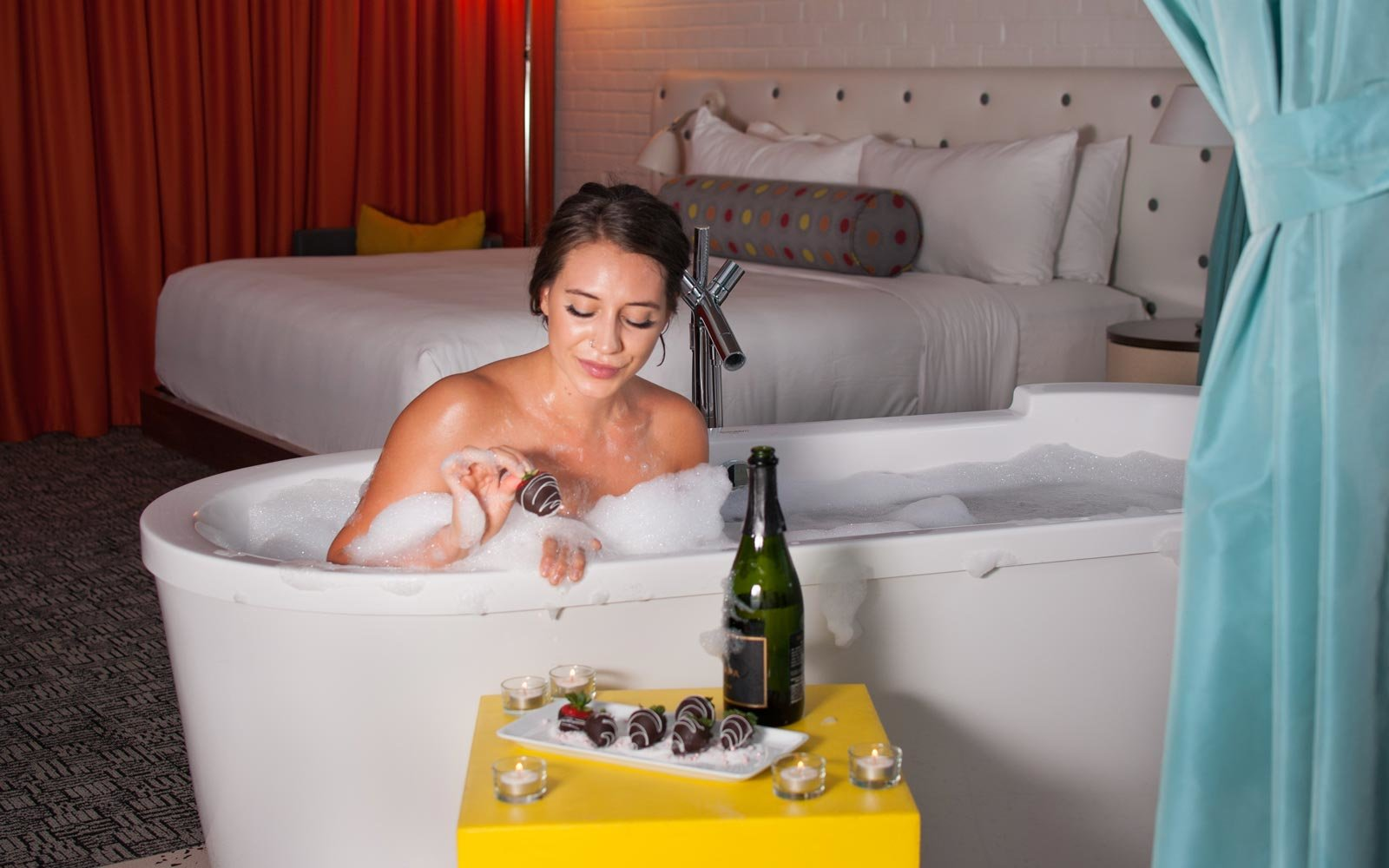 Bath butler experience at the Hotel Valley Ho