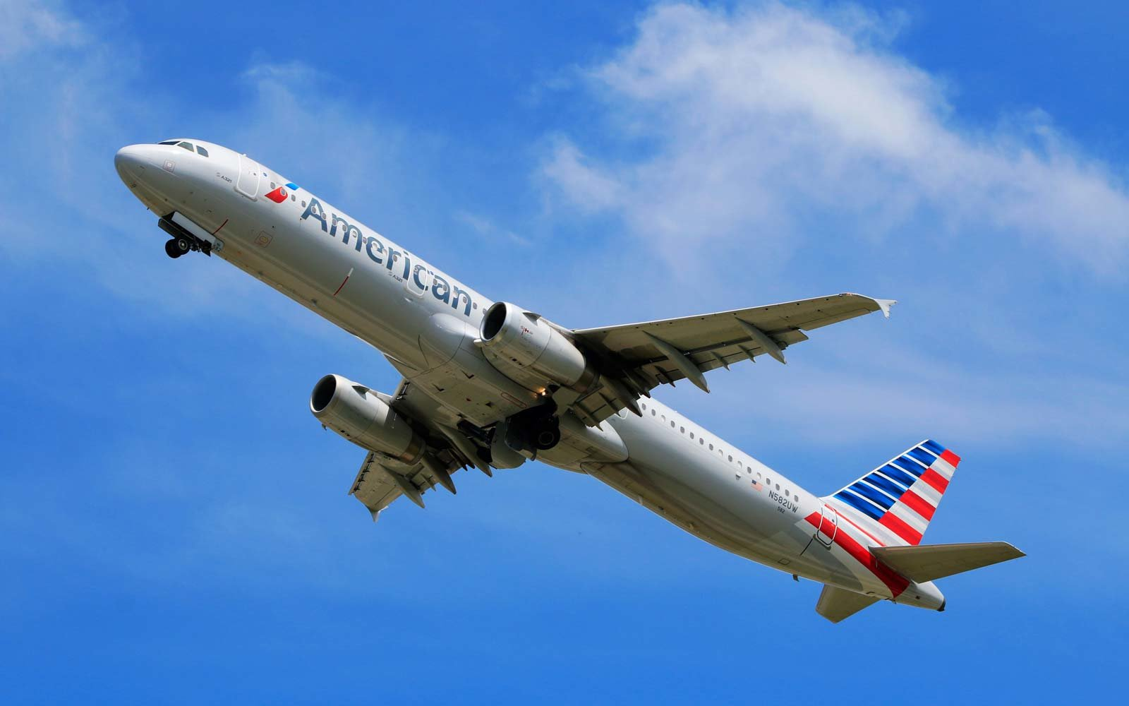American Airlines  Flight Deals  News  Travel  Leisure