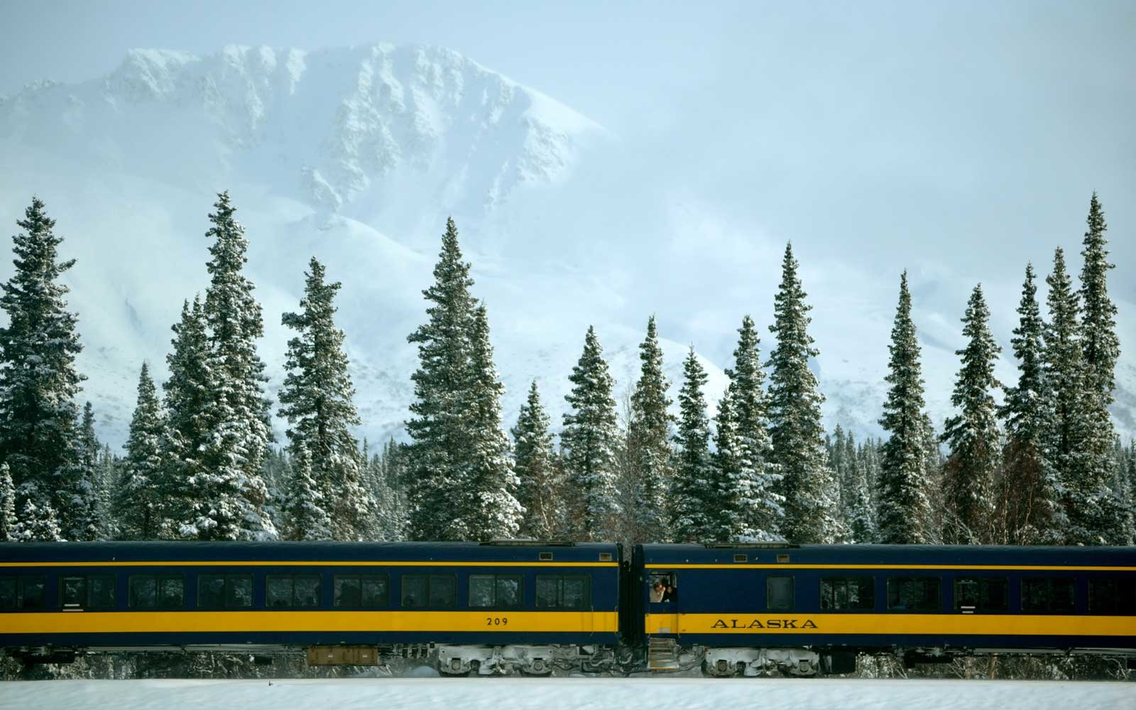Aurora Winter Train in Alaska