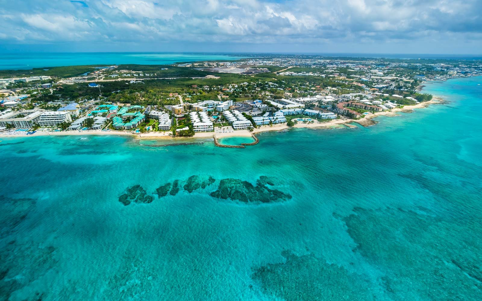 Caribbean, Cayman Islands, George Town, Luxury resorts and Seven Mile Beach