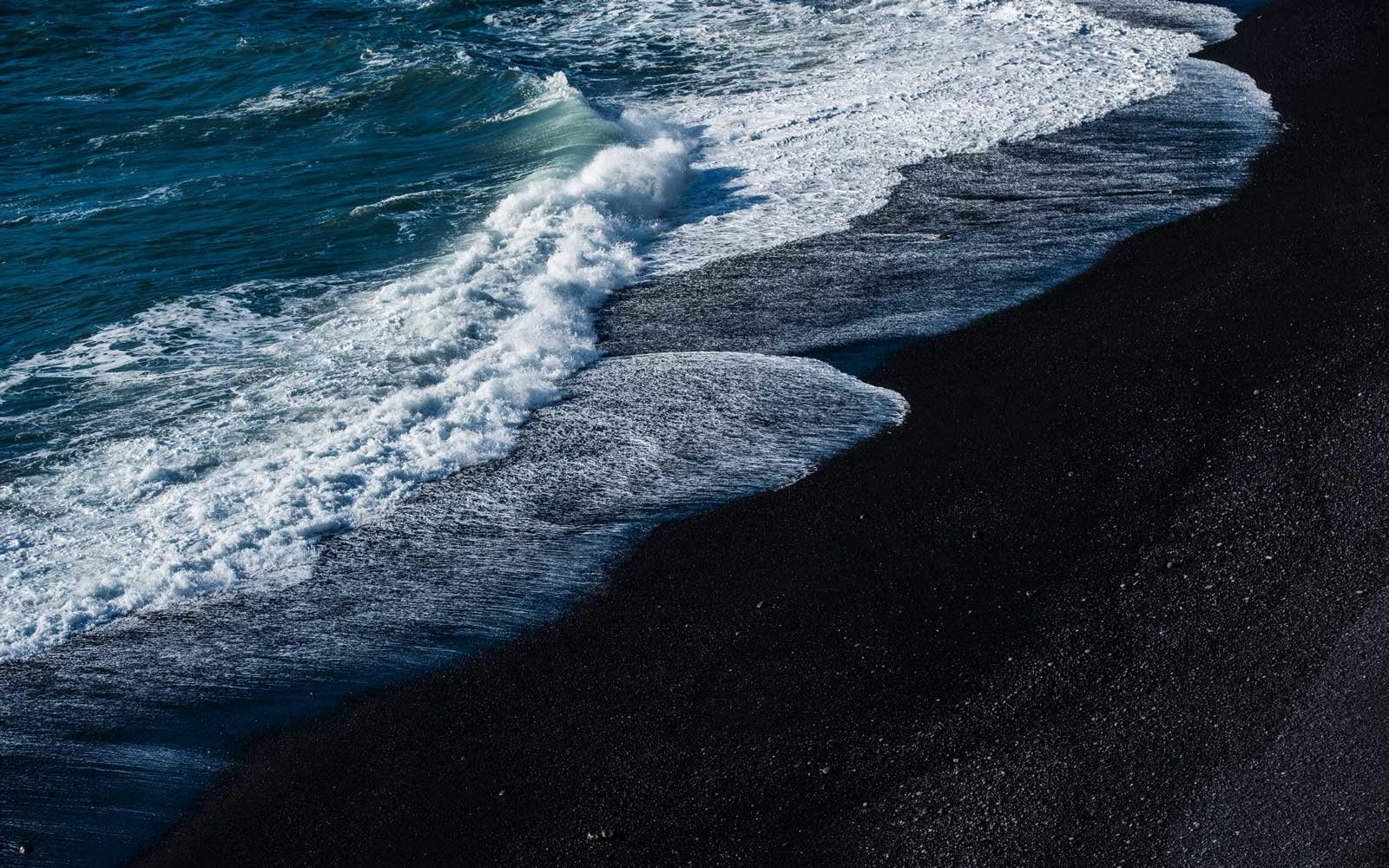 Hawaii's Volcanic Eruption Created a Stunning New Black Sand