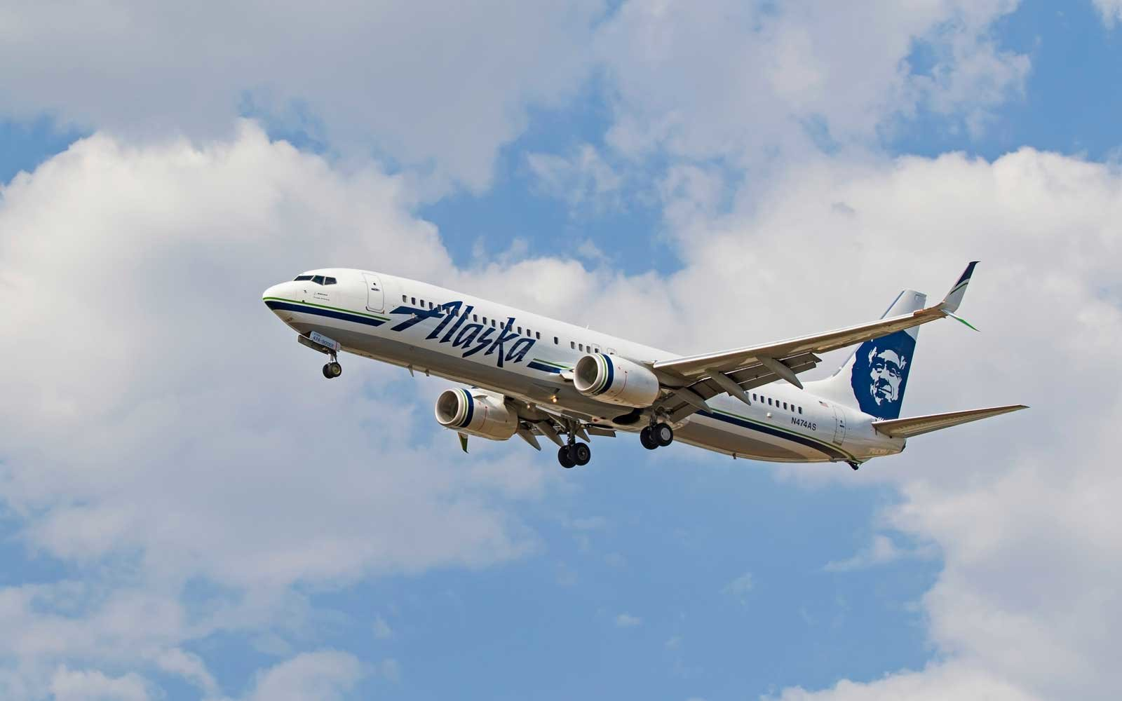 Alaska Airlines Is Hiring 3,000 People — and You Can Apply ... Alaska Airlines