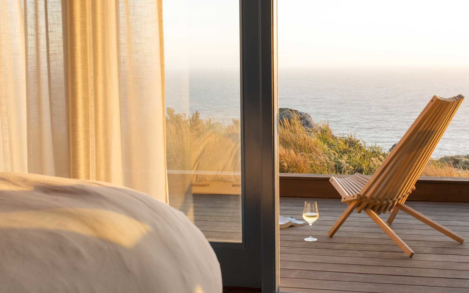 Top Romantic Hotels: Timber Cove Resort, California