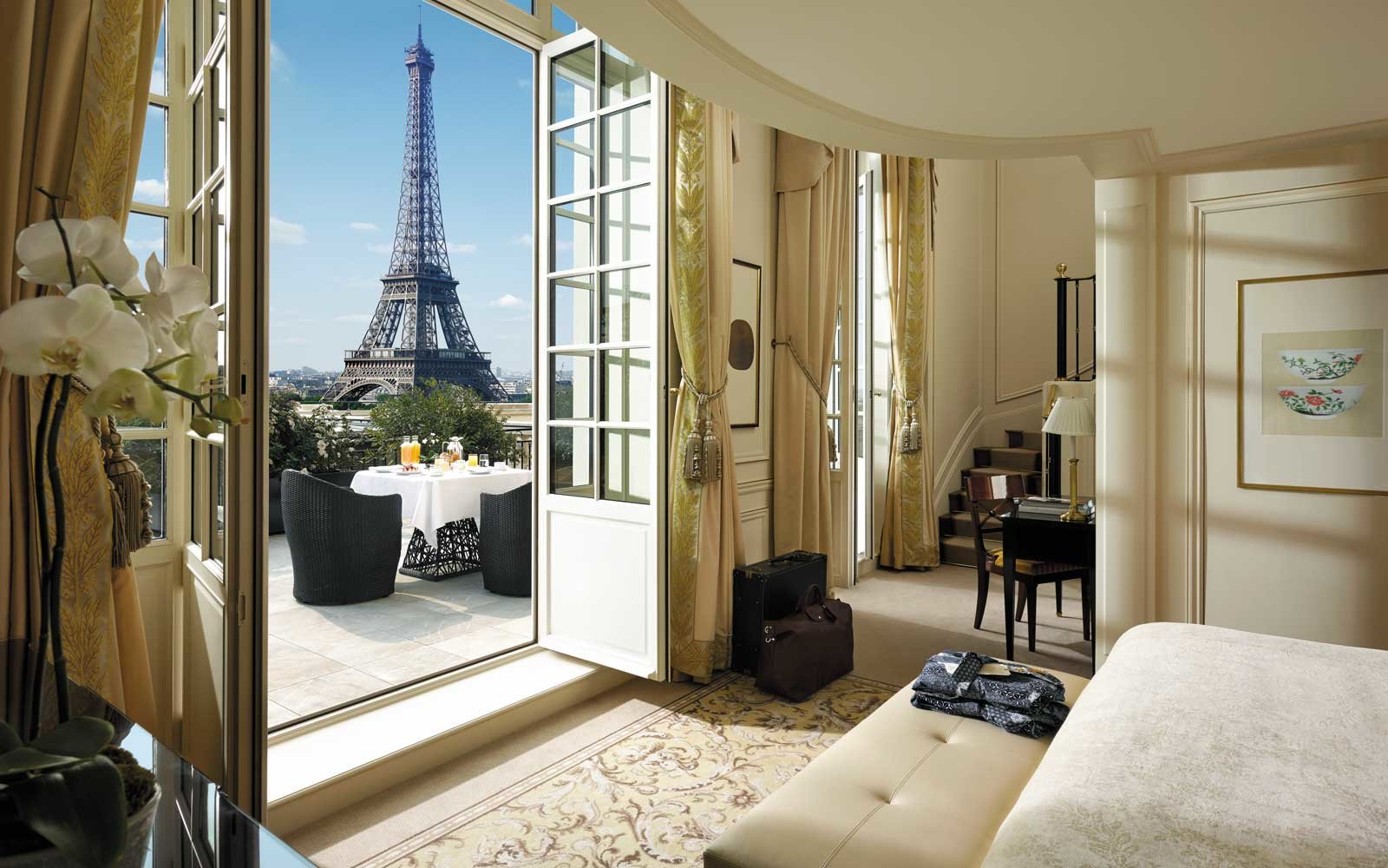 Top Romantic Hotels: Shangri-La, Paris, France