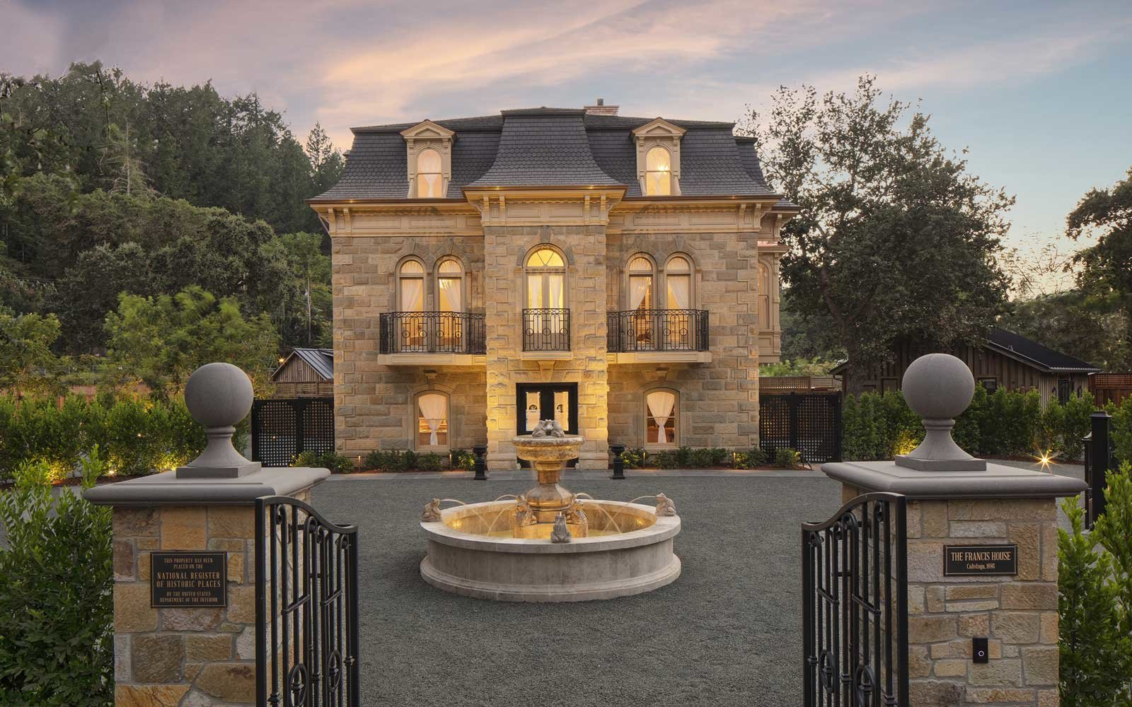 Exterior of Francis House hotel in Napa Valley, California