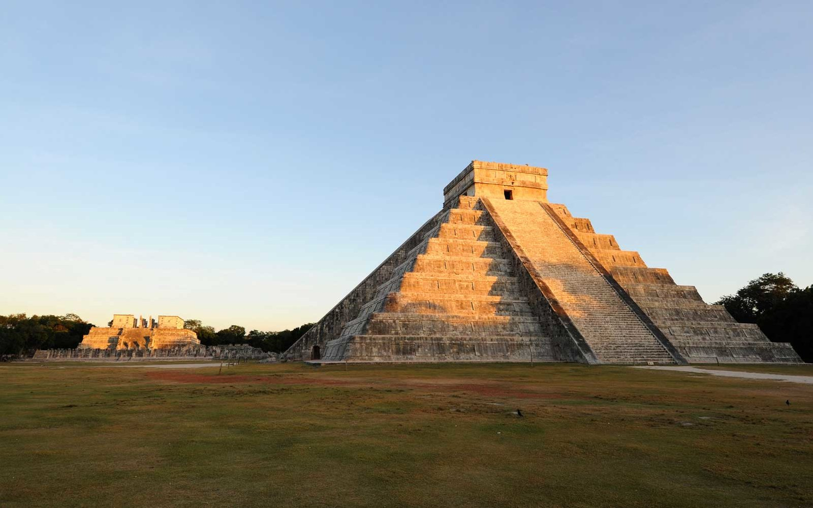 Chichen Itza Mayan Step-Pyramid & Temple, Yucatan