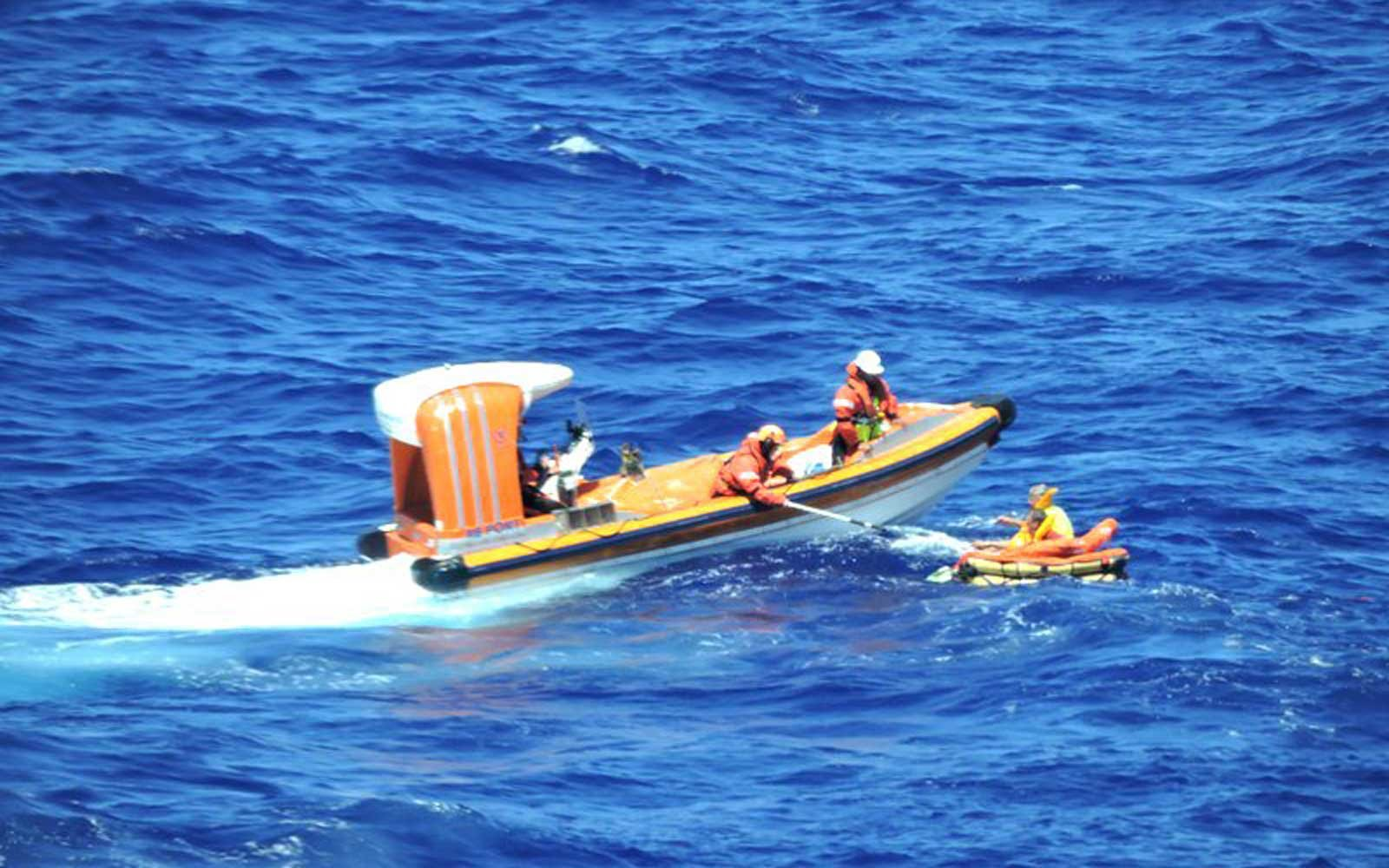Princess Cruise and U.S. Coast Guard rescues plane passengers in Caribbean