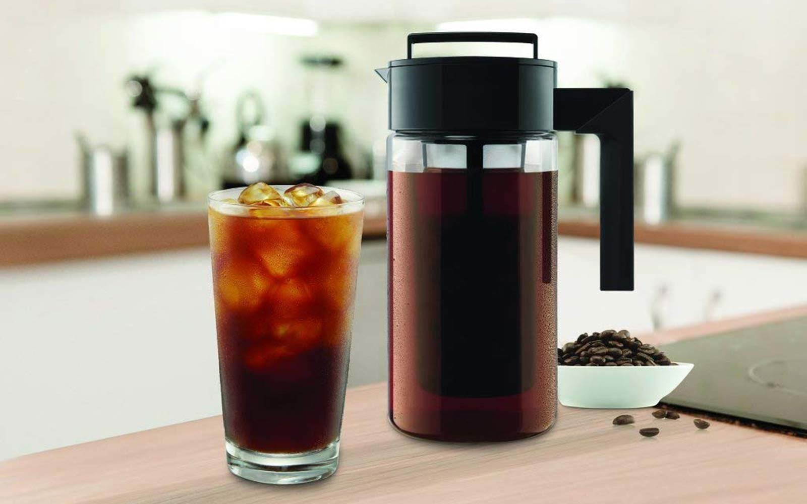 This Cold Brew Coffee Maker Has Over 1,800 5-star Reviews ...