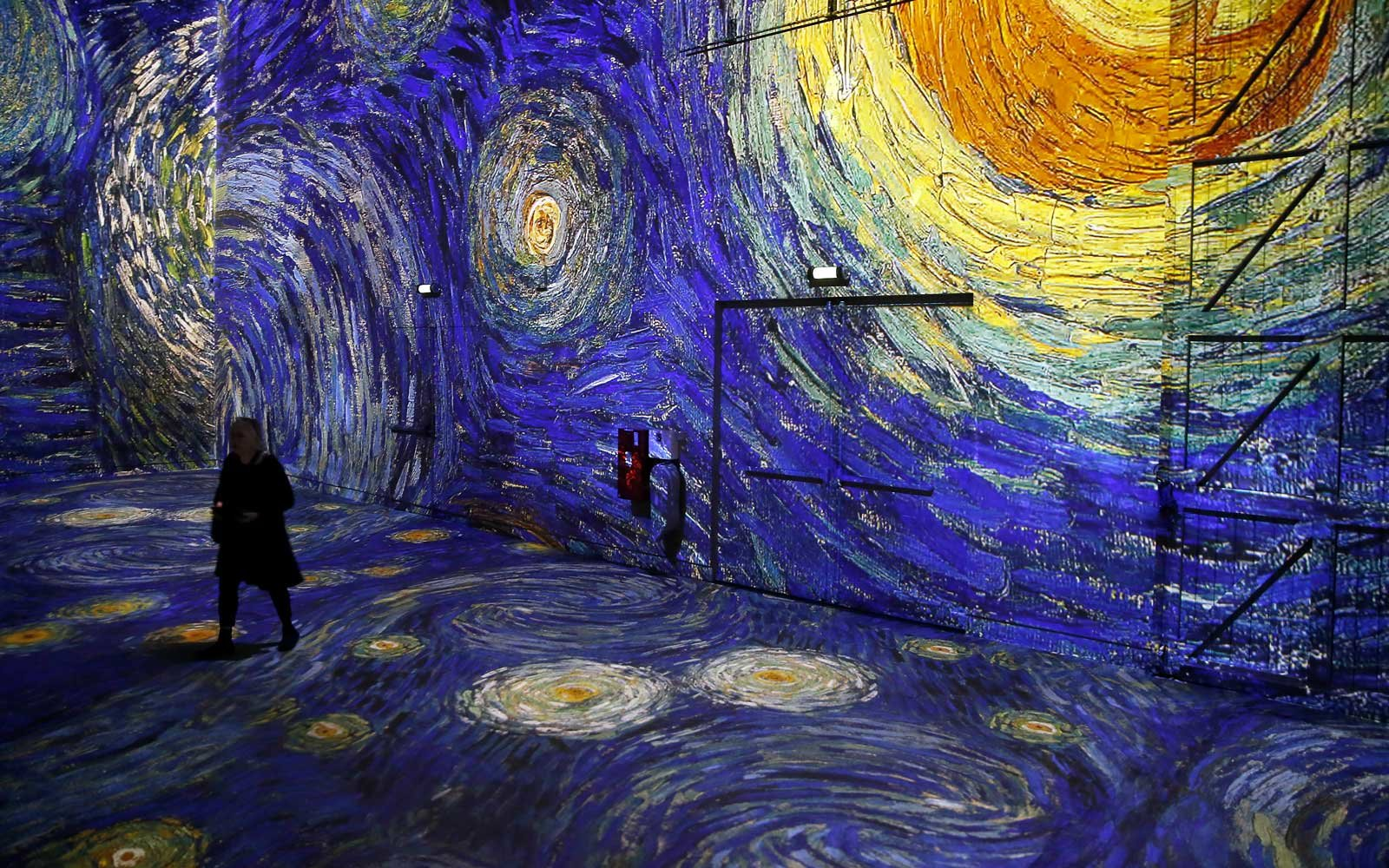 This Dreamy Art Exhibit Lets You Step Inside Van Gogh Paintings