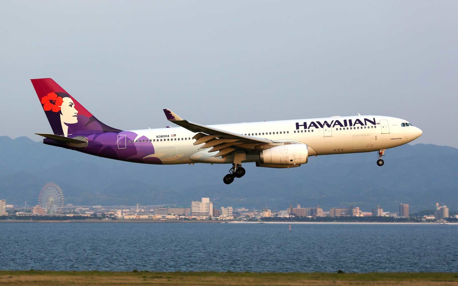 Hawaiian Airlines Airbus A330-200 airplane