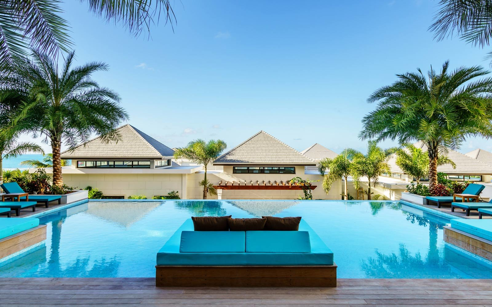 Poolside, Zemi Beach House