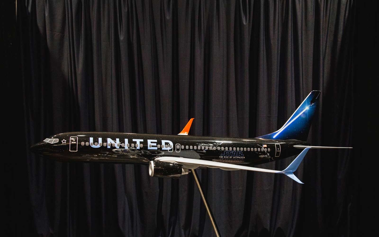 United Airlines Star Wars Livery