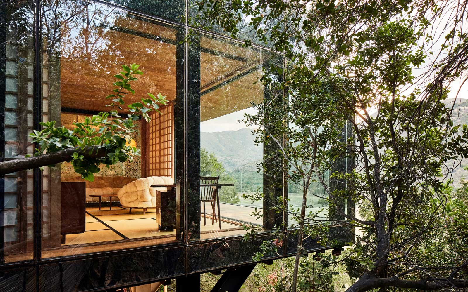 These Glass Houses Have an Outdoor Tub Overlooking Chile's Wine Country
