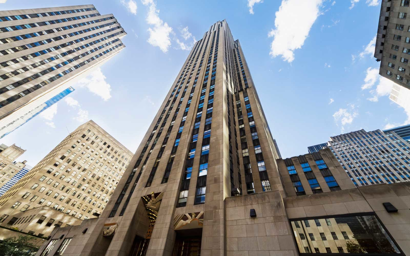 You Ll Soon Be Able To Stay In An Airbnb In Rockefeller Plaza