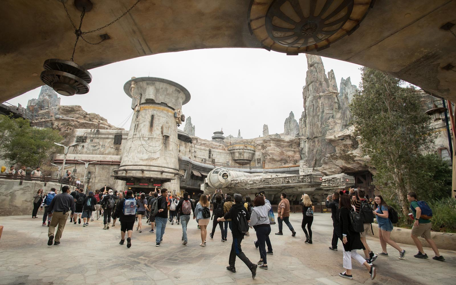 Star Wars Galaxy Edge opens at Disneyland