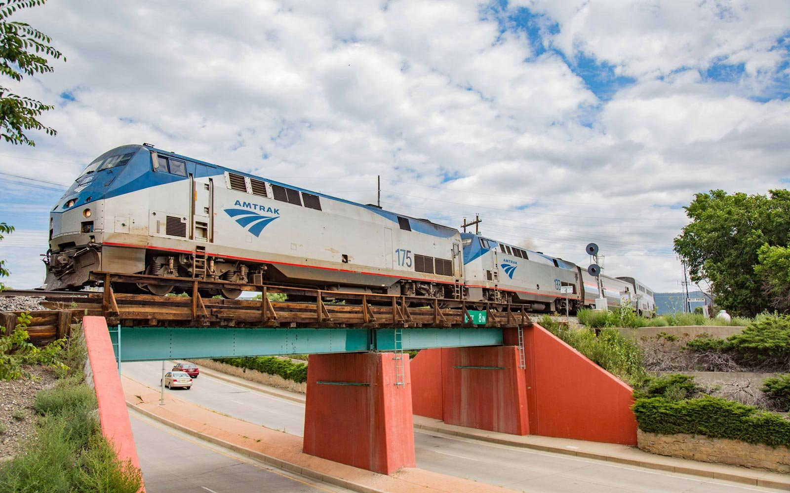 Amtrak Is Having a 2-for-1 Sale on Rooms and Roomettes