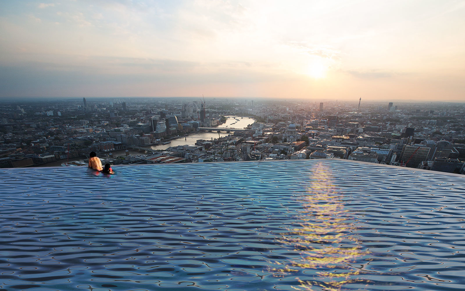 360 degree infinity pool in London