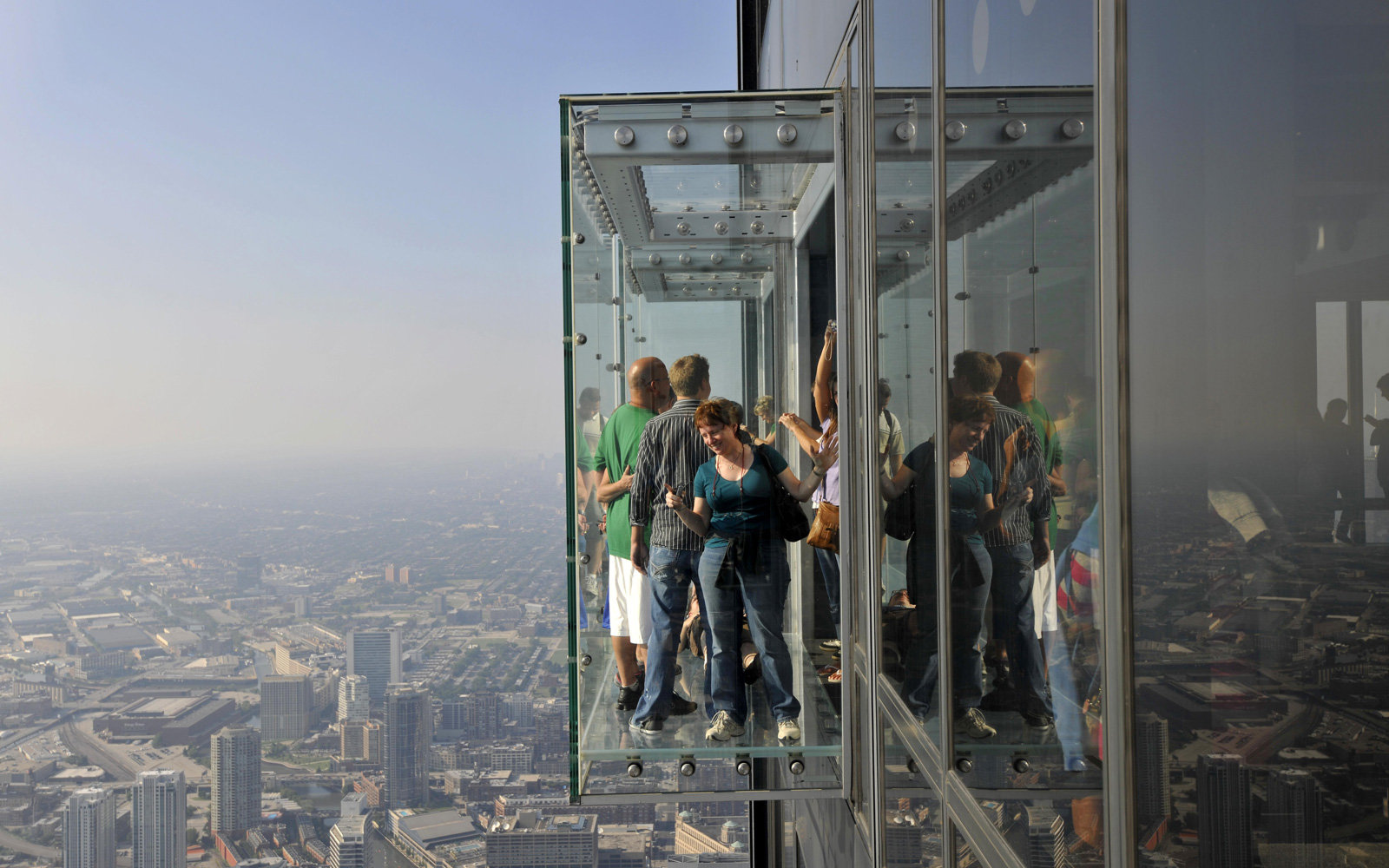 Tourists Get a Scare at Willis Tower As Glass Coating ...