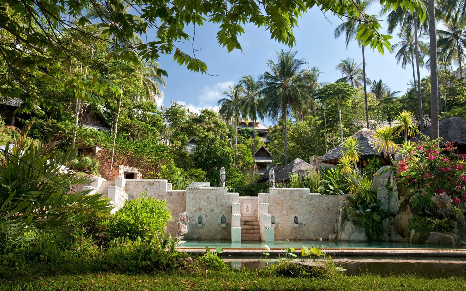 This Sun-drenched Retreat in the Gulf of Thailand Wants to Improve Your Posture