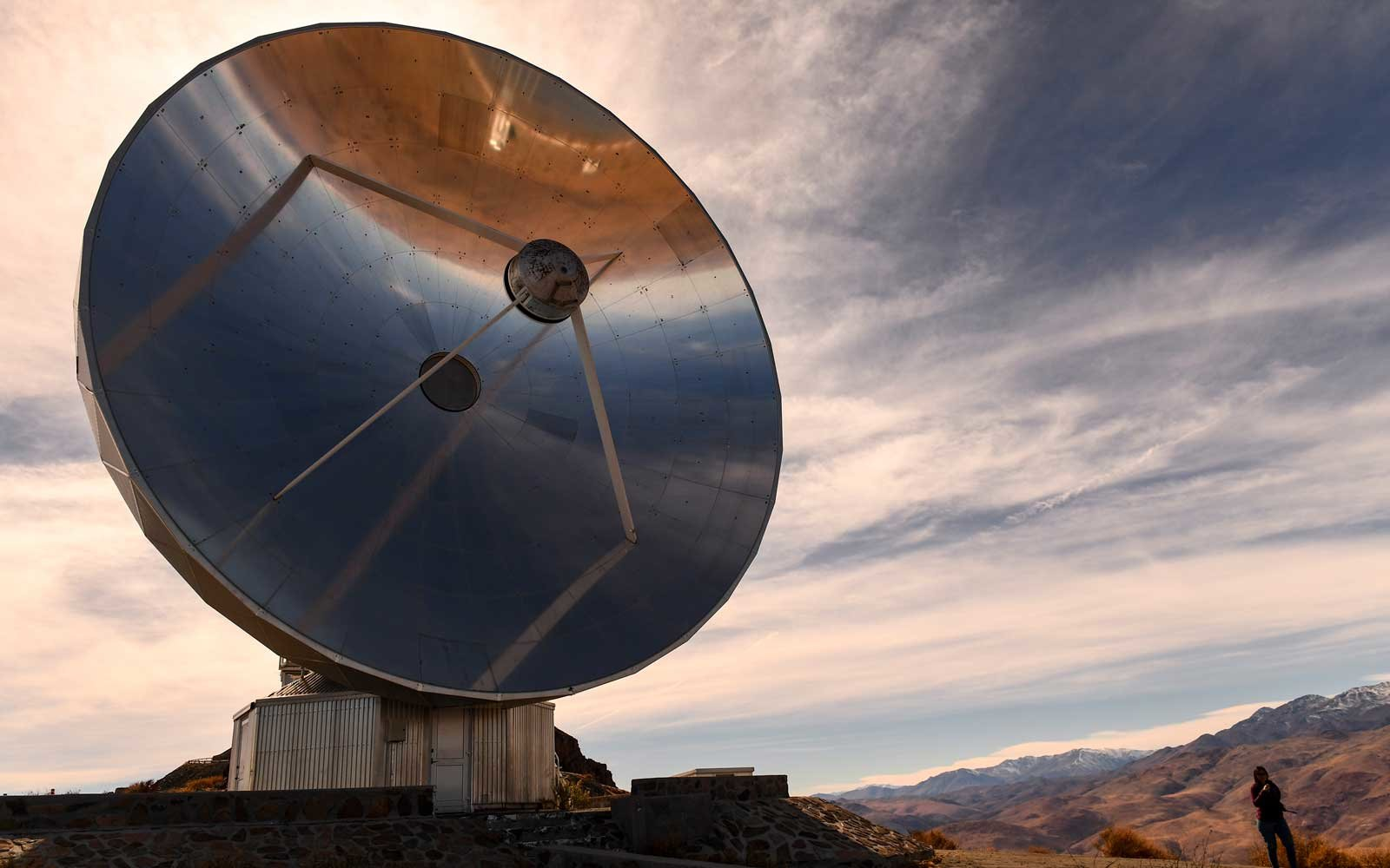 Picture of the 15-metre Swedish-ESO Submillimeter Telescope (SEST) at the European Southern Observatory's (ESO) La Silla facility in La Higuera, Coquimbo Region, about 600 km north of Santiago in the depths of Chile's bone-dry Atacama desert, taken on Jun