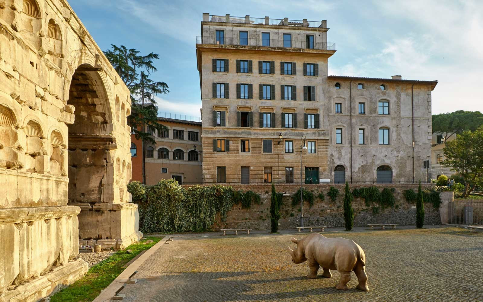 Exterior, Rooms of Rome