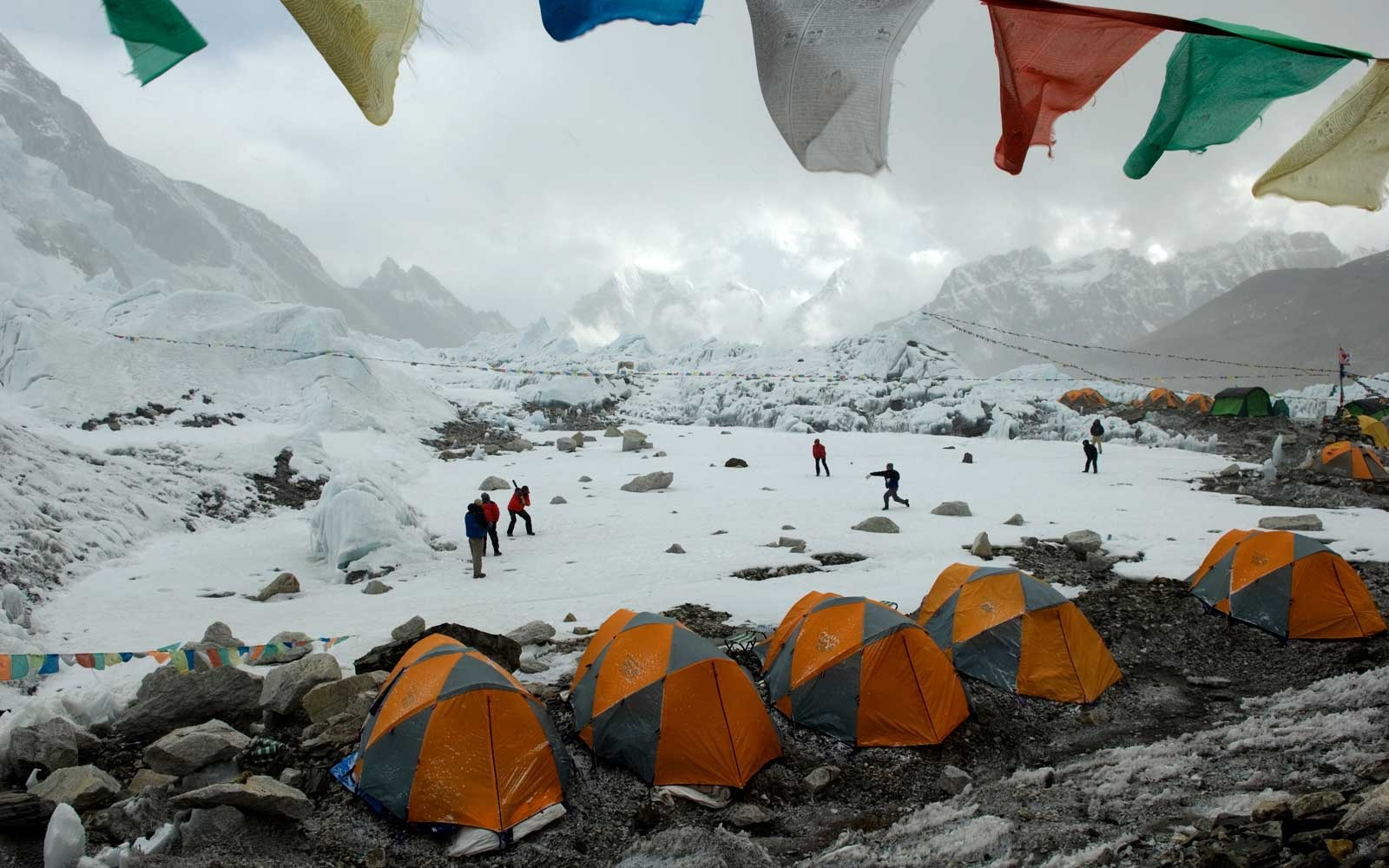 Nepalese government tightens climbing rules, requires proof of high-altitude experience before Everest