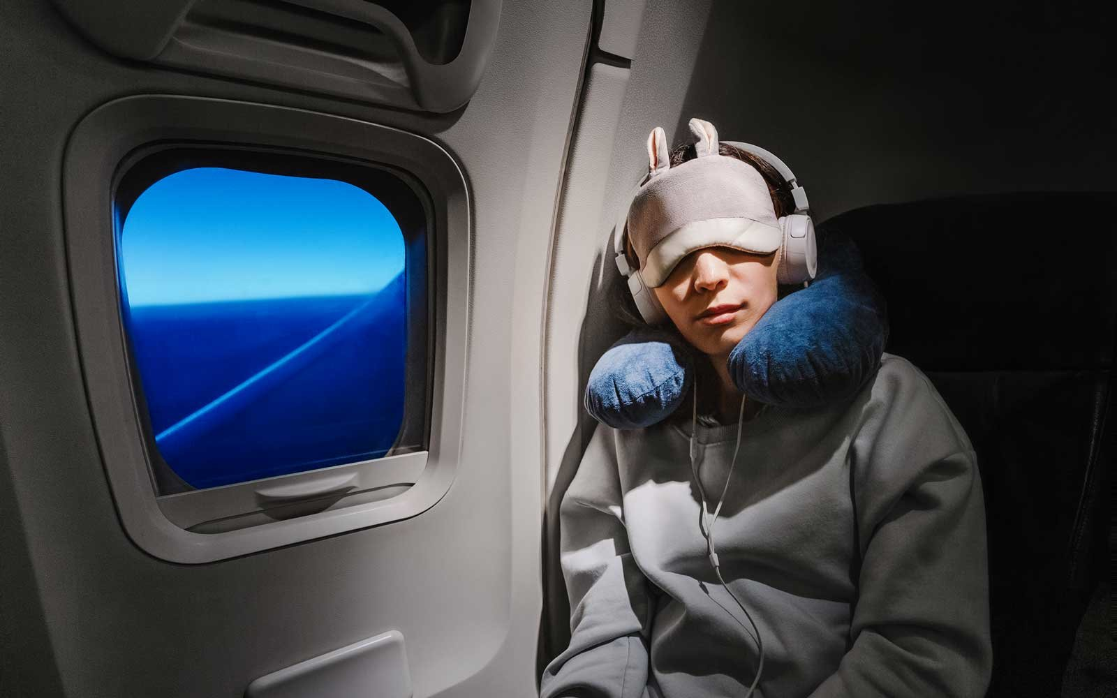 This is the scientific reason flying makes you so tired
