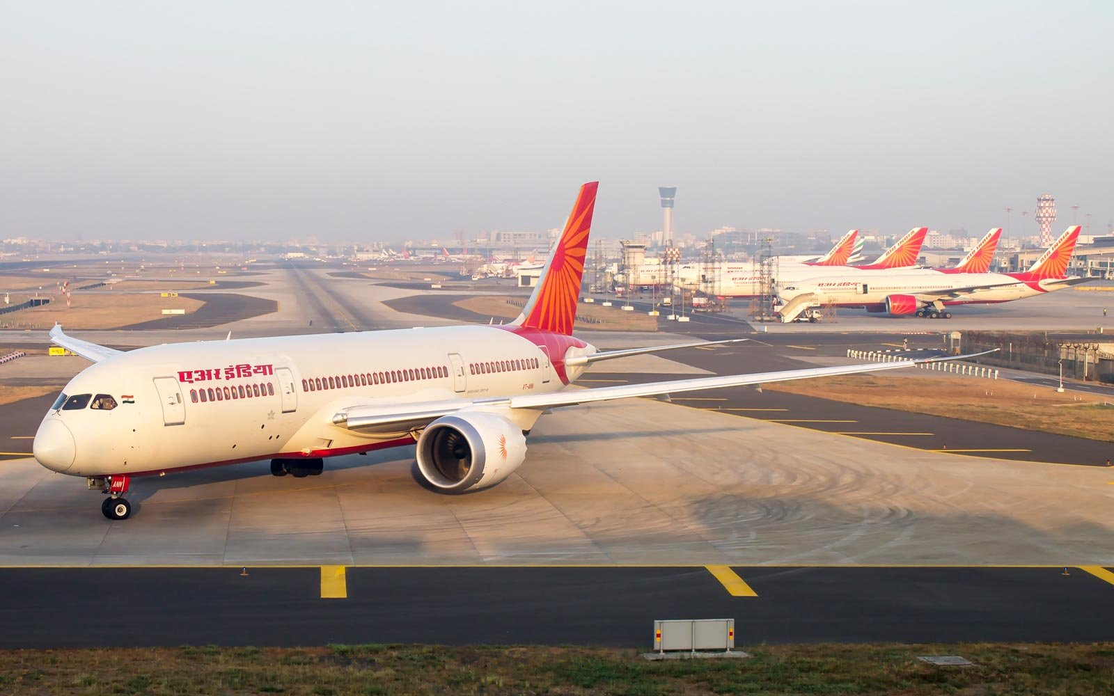 "Air India faces criticism (again) for putting flight crew on ""low-fat"" in-flight menu"