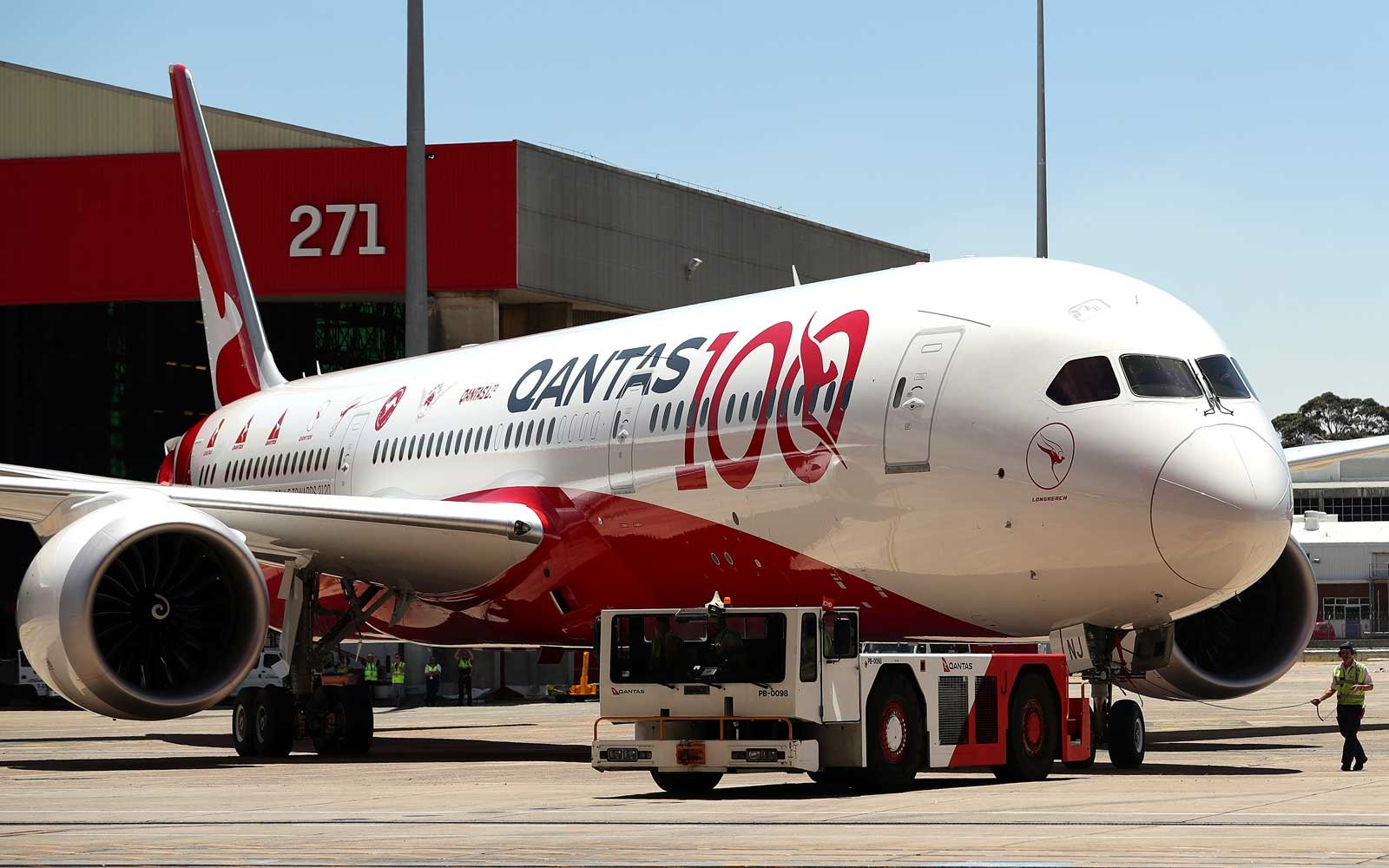 Qantas is selling $100 one-way tickets to Australia — but you better act fast