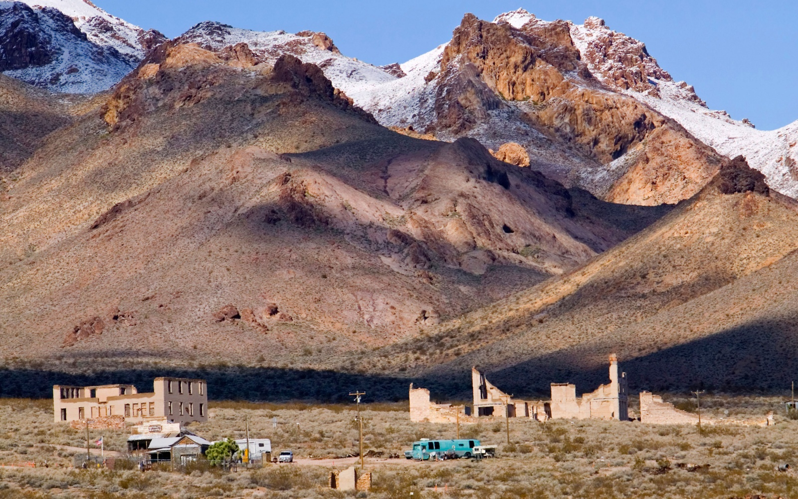 Watch 13 Ghost Towns Worth Visiting video