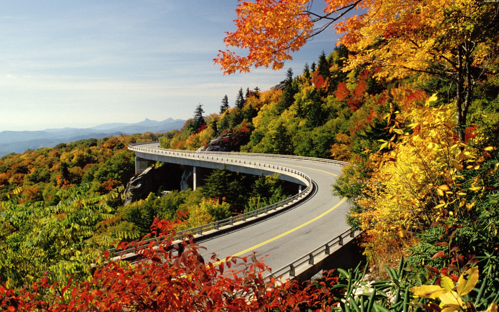 Scenic mountain highway in fall on the Blue Ridge Parkway