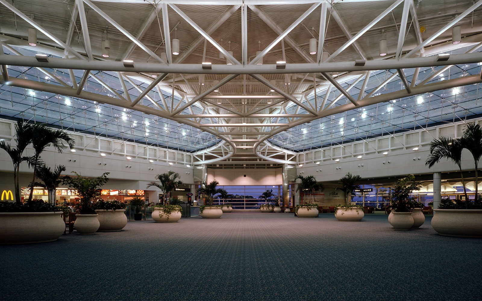 America's Best and Worst Airports | Travel + Leisure