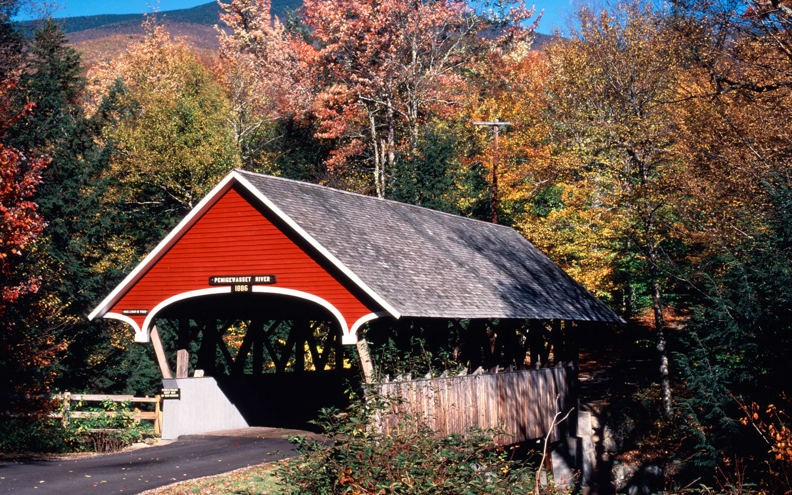 Flume bridge Franconia Notch