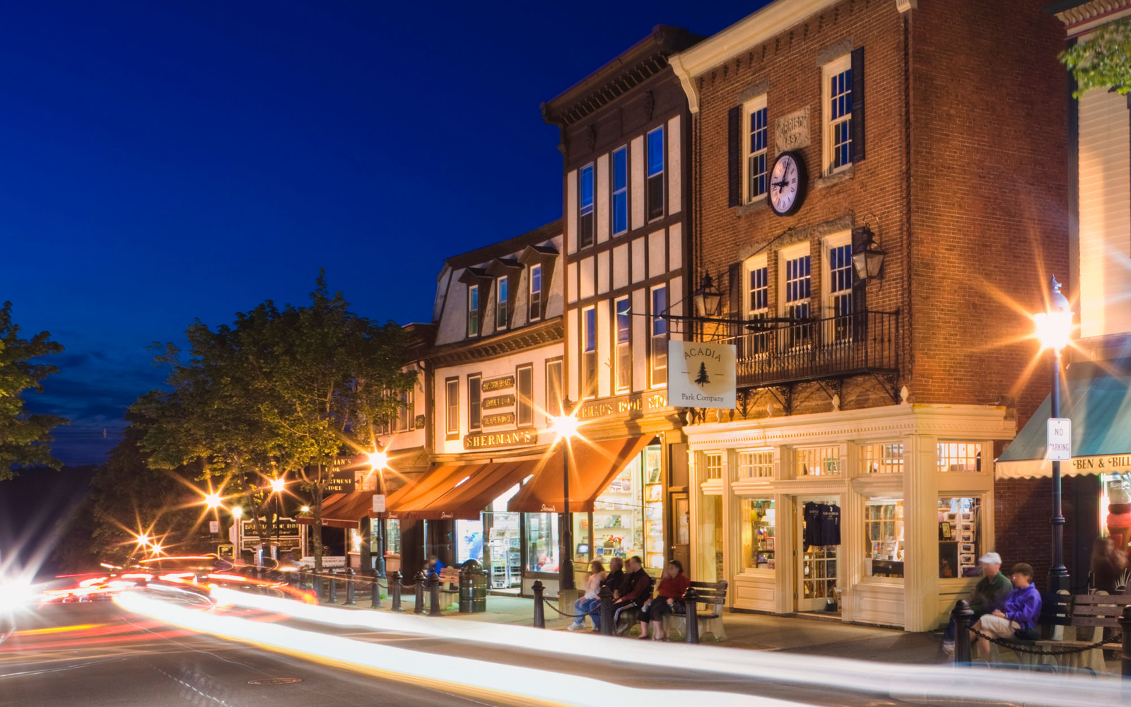 main street in Bar Harbor, Maine at night