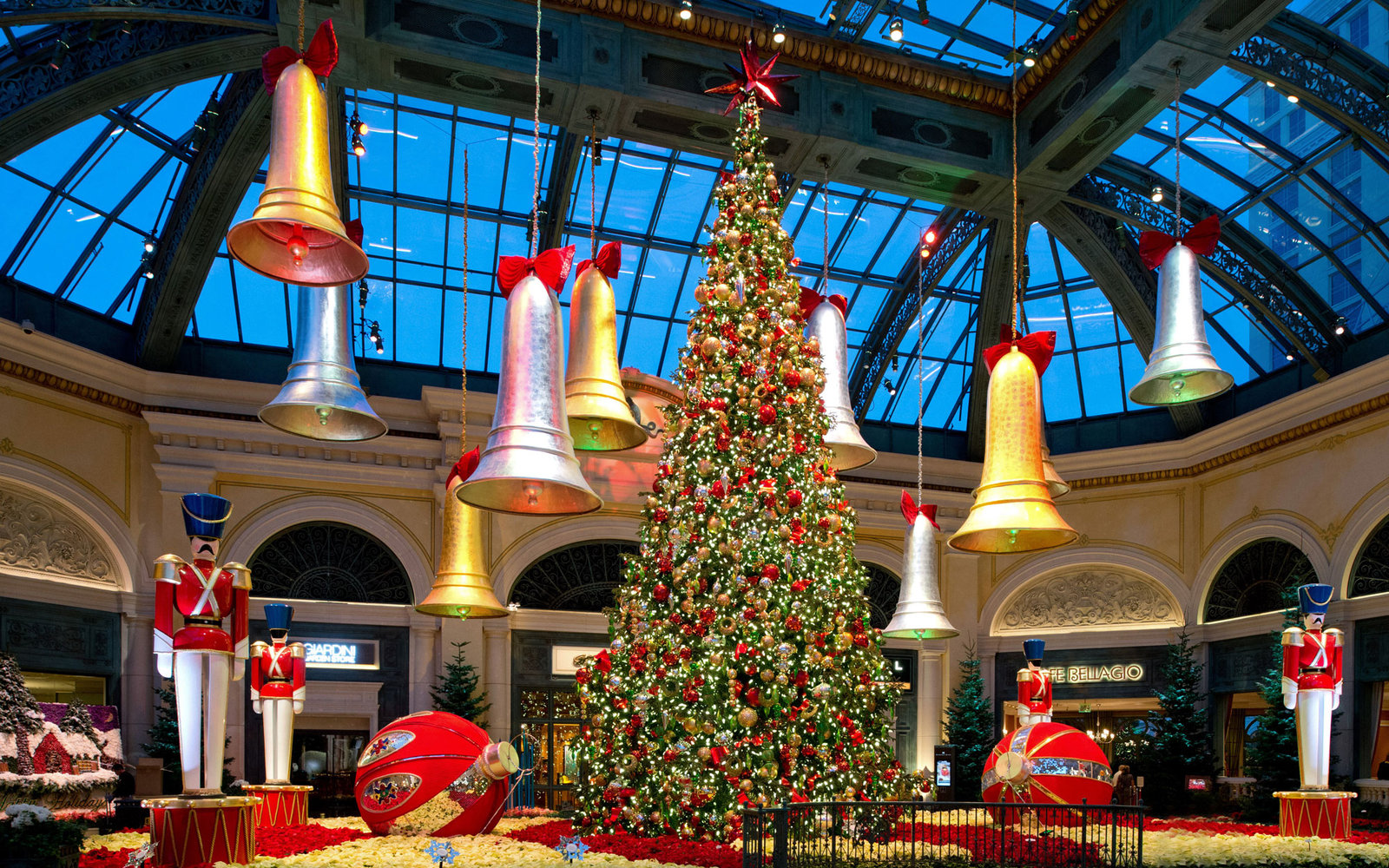 christmas hotels - Best Place For Christmas Decorations