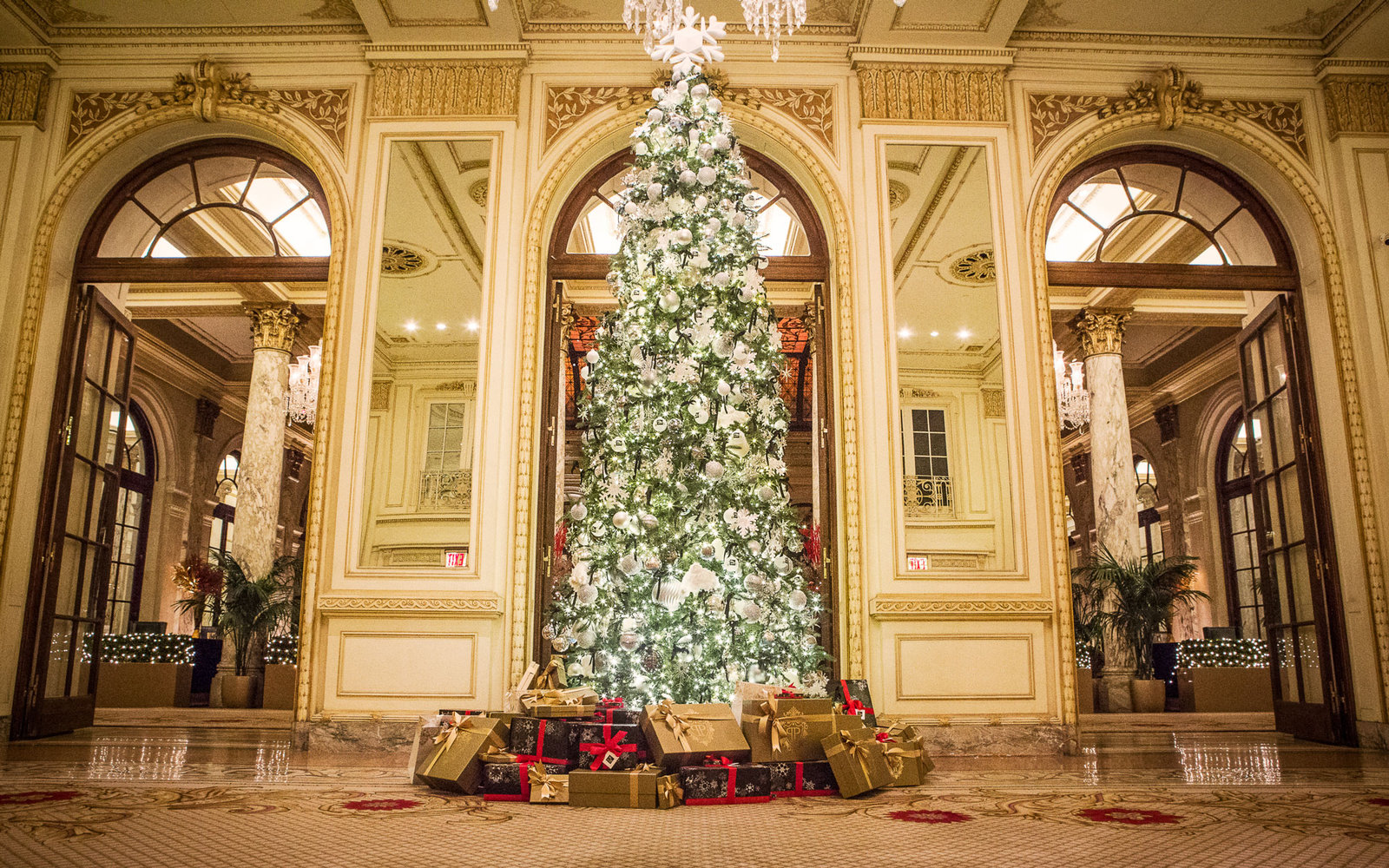America\'s Best Hotels for Christmas | Travel + Leisure