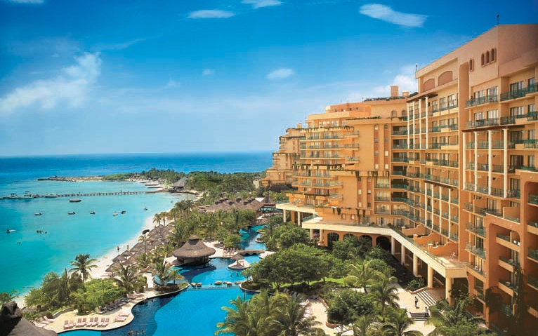 Best mexico beach resorts travel leisure fiesta americana grand coral beach cancn resort spa mexico sciox Image collections