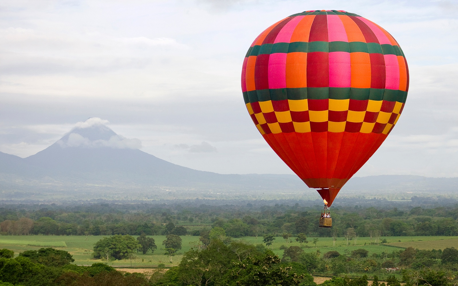 201404-a-hot-air-balloon-rides-costa-rica