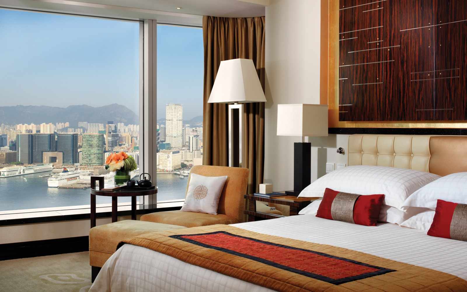 No. 11 Four Seasons Hotel Hong Kong